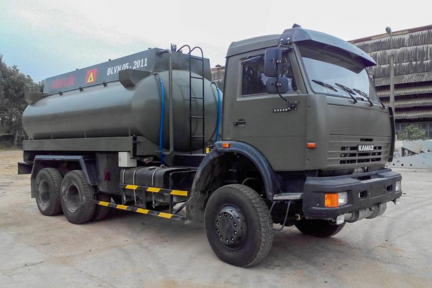 XE BỒN XĂNG DẦU KAMAZ 53228 (6x6)